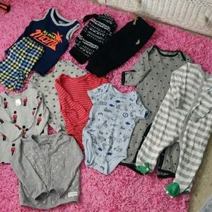 Baby bundle one  4-6 months the rest 12 months🤑